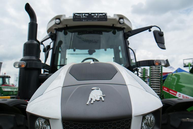 Egy Lambó akkor is Lambó, ha traktor