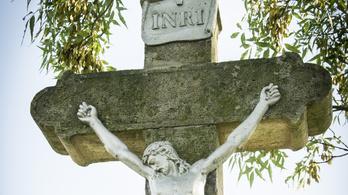 Sétánnyá és parkká alakítják át a mindszenti régi temetőt