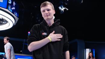 Felmondott és hazajön a magyar blöffkirály hobbipókeres