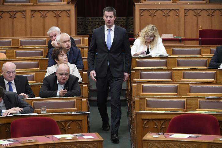 Kocsis Máté a Fidesz frakcióvezetője az Országgyűlés plenáris ülésén az Országházban 2018. május 11-én.