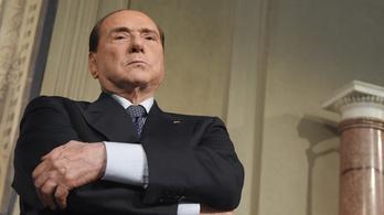 Berlusconi újra politikus lehet