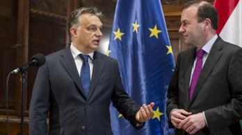 Weber: Orbán a tűzzel játszik
