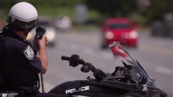 Egy amerikai gyorshajtó bedobta az év mentését