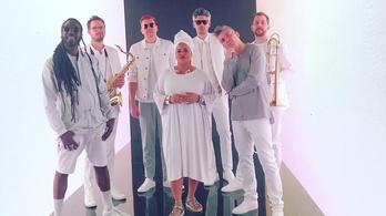 Jazz bigbanddel cirkuszol a hazai rapperek színe-java