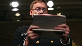 Bajban vannak a titkosítva levelezők