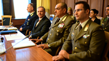 Leendő honvédelmi miniszter: A honvédséget az alapoktól kell újraépíteni