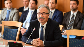 Agrárminiszter-jelölt: Egy migráns eldobott egy szendvicset, ezért van Magyarországon sertéspestis