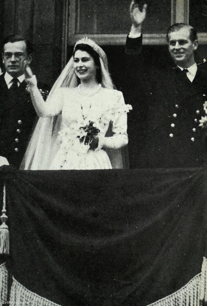 Vigasztalás lehetett esetleg azonban Fülöp herceg nővéreinek, hogy ők legalább már hallgathatták rádión öccsük esküvői ceremóniáját
