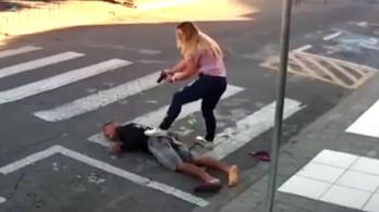 Videón a brazil rendőrnő, aki lelőtte a gyerekekre fegyvert fogó férfit