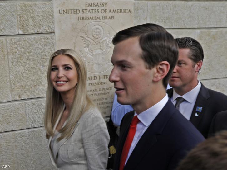Ivanka Trump és Jared Kushner a megnyitón