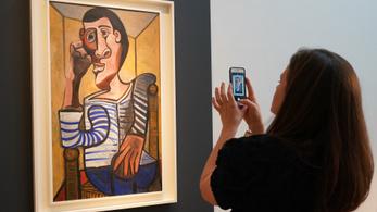 Megrongálták a kiállítás-előkészítők Picasso önarcképét
