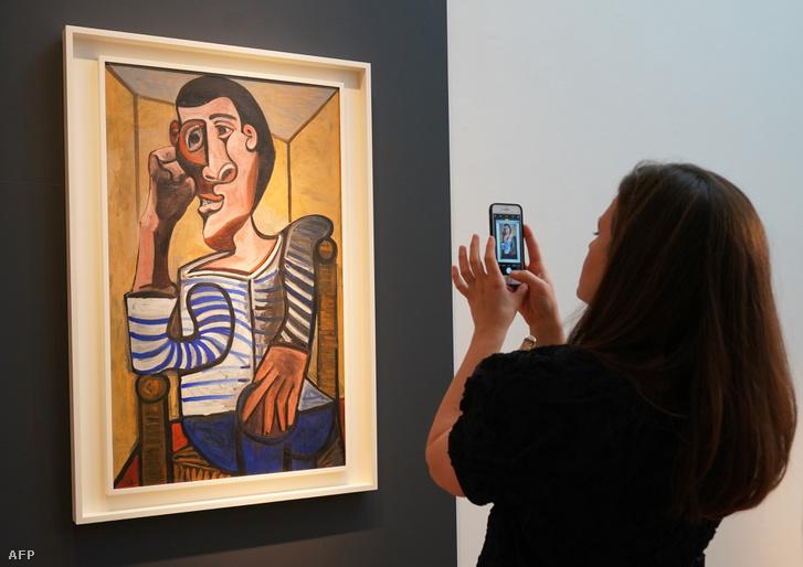 Picasso önarcképe a Christie's árverési kiállításán