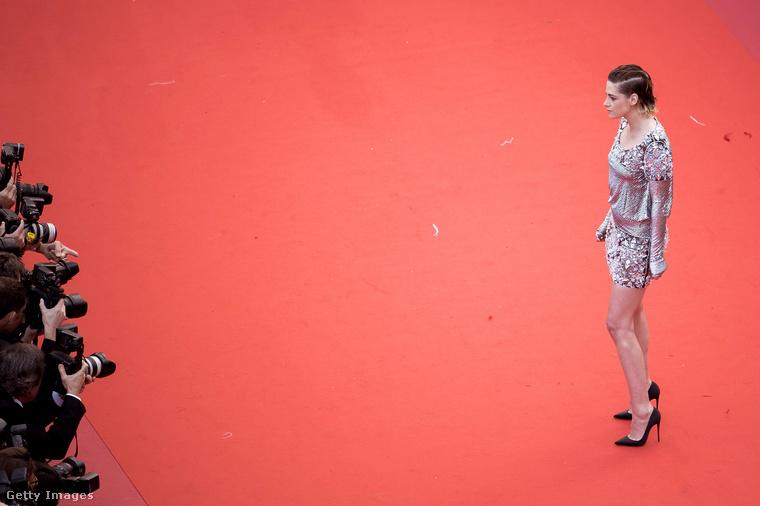 Kristen Stewart hétfőn a Blackkklansman című film gálavetítésén vett részt a Cannes-i filmfesztiválon.