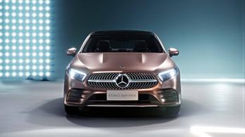 Tovább szaporodnak a kis Mercedesek