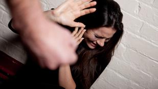 Hogyan válik bántalmazó kapcsolattá a kezdeti nagy szerelem?