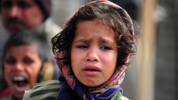 Évente 239 ezer indiai kislány hal meg, mert lánynak született