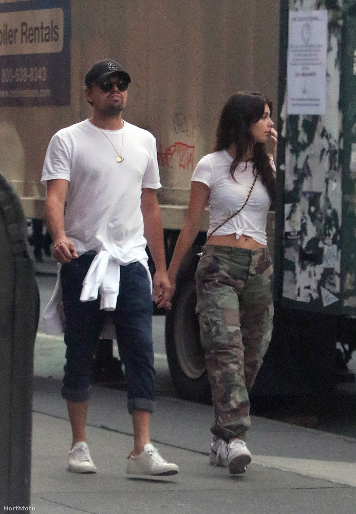 Jó napot!                         Ez itt a friss és ropogós DiCaprio + újdonsült modell barátnőjéről szóló aktuális státusz jelentés.