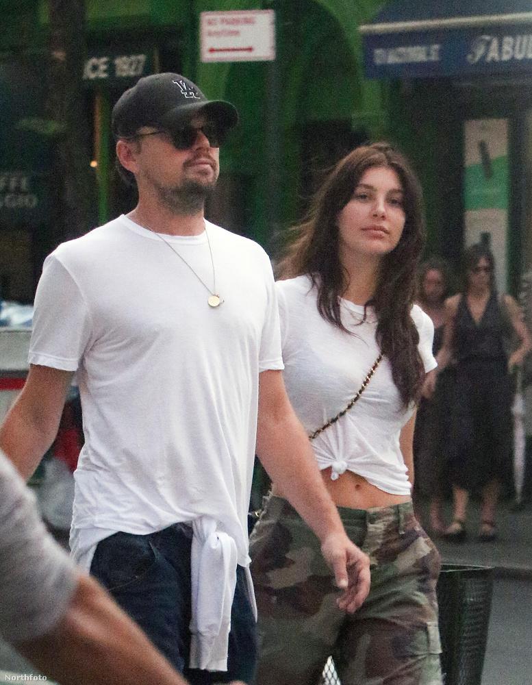 Itt ugyan nem nagyon keveredtek intim helyzetbe, de volt már rá precedens, hogy Camila Morrone forró csókot lehelt DiCaprio arcára