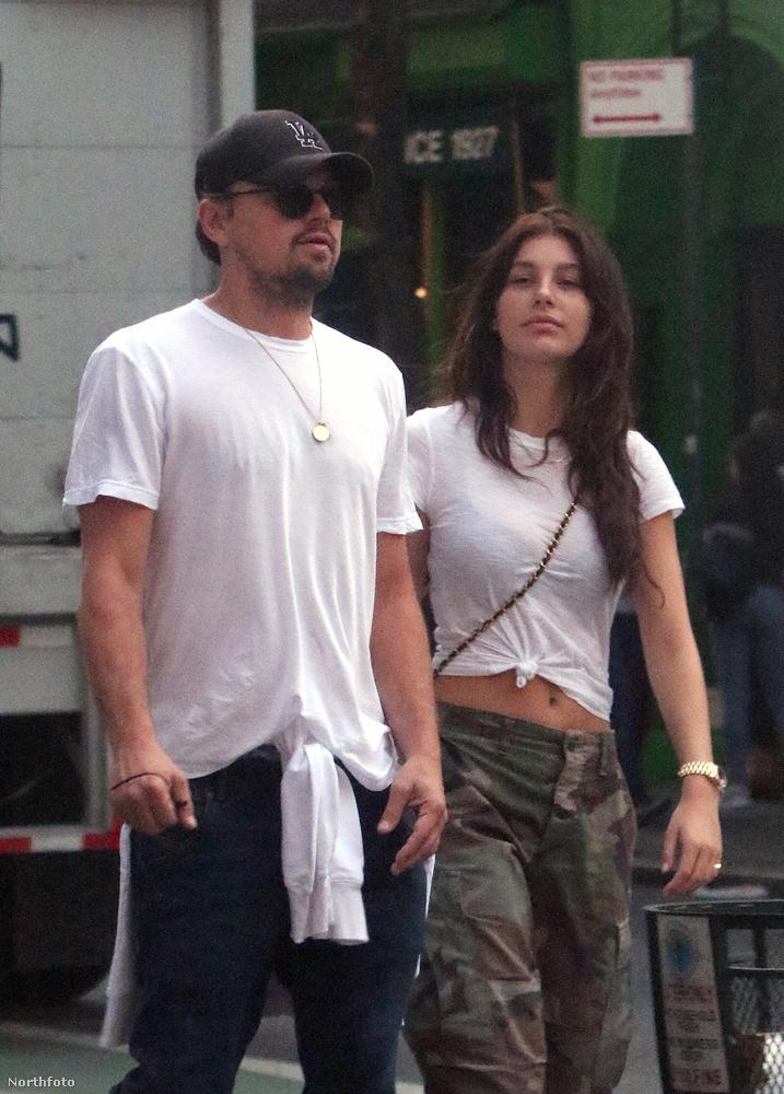 Az eseménynaplóba felvezetésre került az eset, hogy a már Oscar-díjas színész és a mellette lévő fiatal hölgy kimentek az utcára.