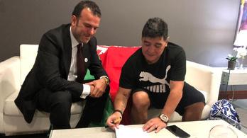 A fehérorosz futball nagy napjai jönnek, Maradona aláírt