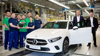 Már Kecskeméten is gyártanak Mercedes A osztályt