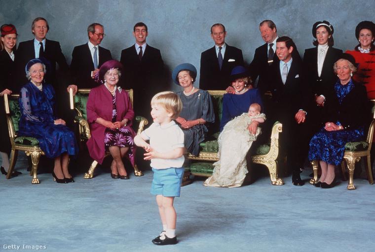 Diana hercegnő és Vilmos herceg második fia, Harry, 1984-ben született