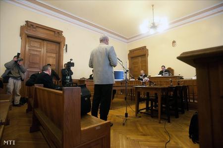 Az ítélethozatal a a Fővárosi Bíróság tárgyalótermében (Fotó: Koszticsák Szilárd)