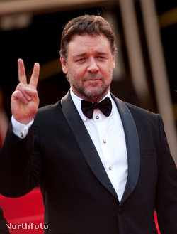 russellcrowe1cannes2010