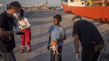 31 ezer kísérő nélküli kiskorú kért menedéket tavaly az EU-ban