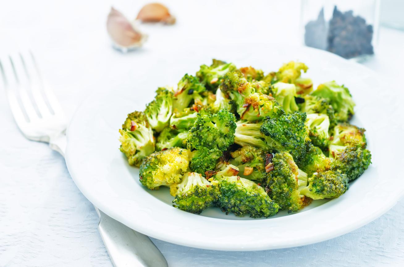 Ropogós brokkoli fokhagymás, citromos fűszerkeverékkel - Fantasztikus zöldségköret