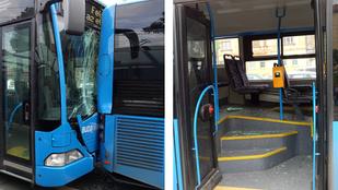Sofőr nélküli busz csapódott egy másikba a Széll Kálmán téren