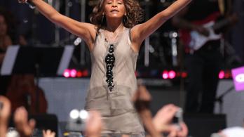 Whitney Houstont szexuálisan zaklatta a saját unokatestvére
