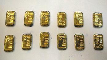 Két kiló arannyal a végbelükben buktak le csempészek Srí Lankán