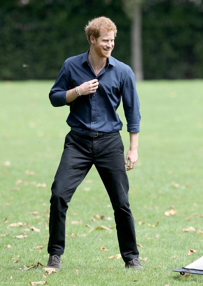 Harry herceg esküvője alkalmából összeszedtük a kedvenc képeinket a vőlegényről.50 darab lett, maradhat?