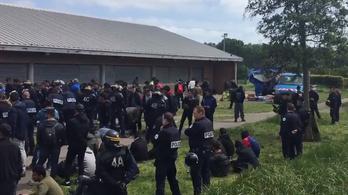 Meghalt egy kétéves kislány, miután migránsokat üldöztek a belga rendőrök