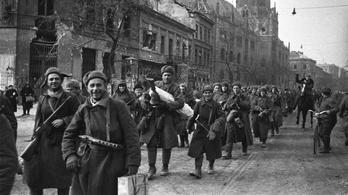 Mi, magyar asszonyok, térden állva kérjük a világ leghíresebb Sztálinját