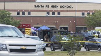 Tüzet nyitott az osztályteremben egy diák Texasban