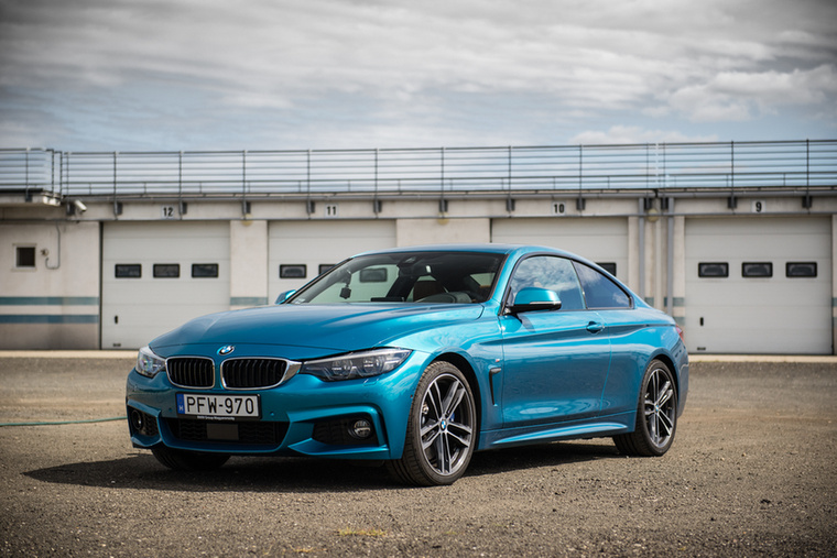 BMW 440i                          – Szinte hallani a zúgolódó tömeget, hogy De miért nem az M4? Mert az sok