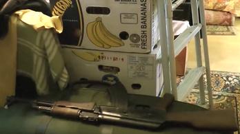 A rendőrök csak egy autószerelő műhelyt kerestek, egy rakás fegyvert találtak