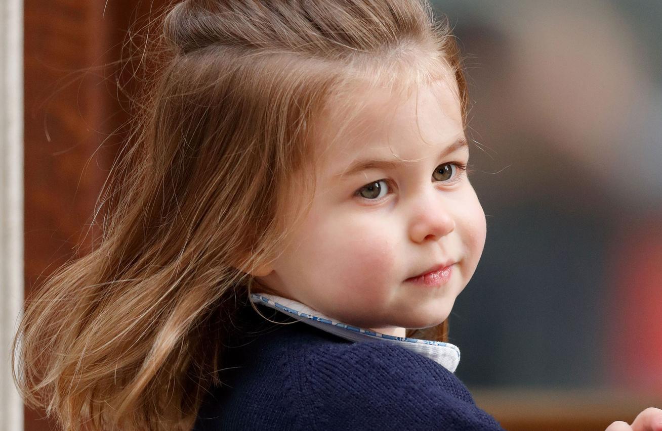 charlotte-hercegno-harry-meghan-eskuvo-cover