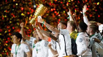 Egész pályás szólógól, nagy meglepetés, a Frankfurt verte a Bayernt a német kupa döntőjében
