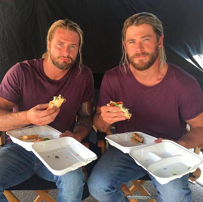 Chris Hemsworth (Thor) és kaszkadőre Bobby Holland, forrás: buzzfeed/bobbydazzler84