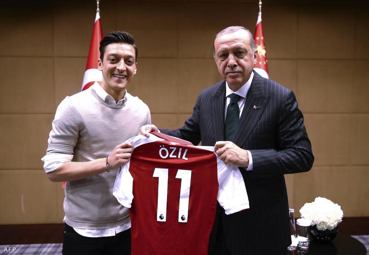 Özil és Erdogan május 13-án