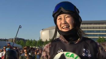 Még sosem bemutatott trükkel egy 13 éves lány lett a snowboard szupersztárja