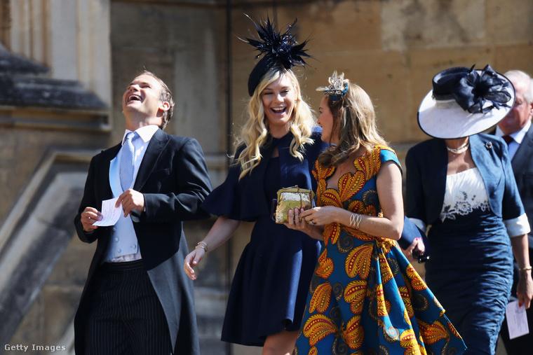 A képen Chelsy Davyt látja nevetgélni, vele 2004-től 2011-ig folytatott se veled, se nélküled kapcsolatot Harry herceg