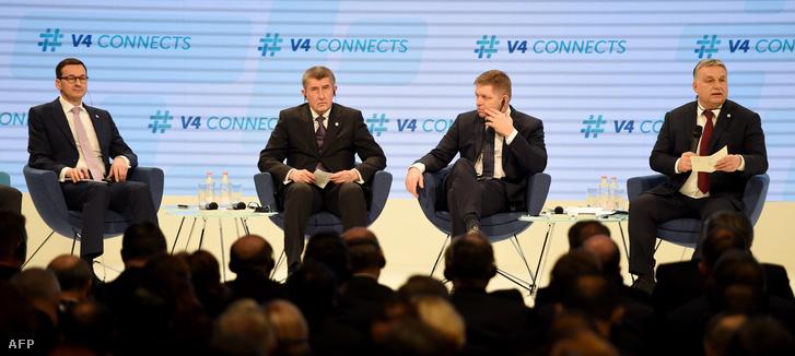A V4-ek vezetői: Mateusz Morawiecki, Andrej Babis, Robert Fico és Orbán Viktor a Várkert Bazárban 2018. január 26-án