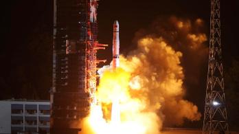 Kína egy lépéssel közelebb került a Hold sötét oldalához