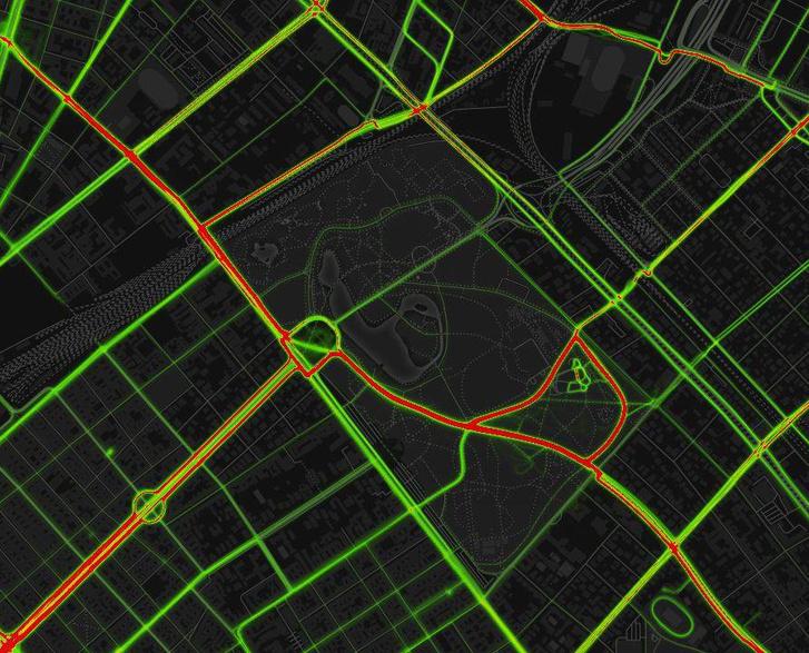 Kerékpáros forgalom a Városligetben. A vörös szín jelzi, hogy az Olof Palme sétány népszerű útvonal