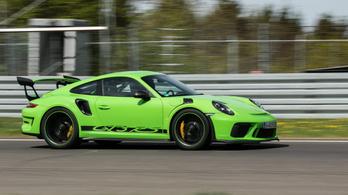 Nem vesz fel új rendeléseket a Porsche