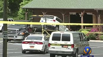 Étterembe hajtott egy amerikai férfi, megölte a saját lányát és a menyét